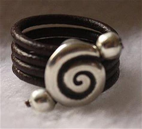 como hacer anillos de cuero como hacer anillos de cuero con entrepieza