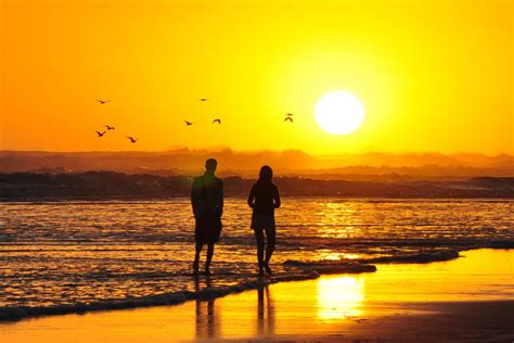 wallpaper sunset couple sunset wallpapers hd a29 hd desktop wallpapers 4k hd