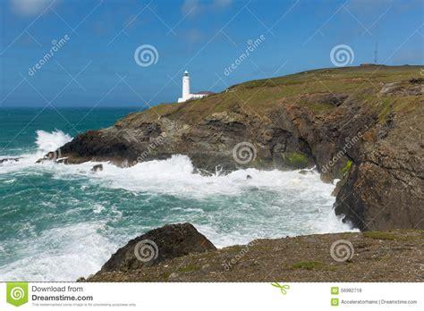 testa in inglese faro inglese alla linea costiera nord di cornovaglia