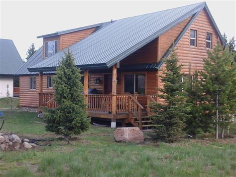 Cabin Rentals Yellowstone National Park by Gateway To Yellowstone National Park World Vrbo
