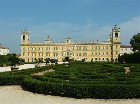 tenda da ceggio in inglese i 10 castelli ducato da non perdere travel emilia