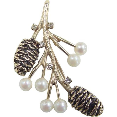 Retro Pine Cone Pearl Owl Leaf Bracelet vintage 14k gold pine cone pin cultured pearl and
