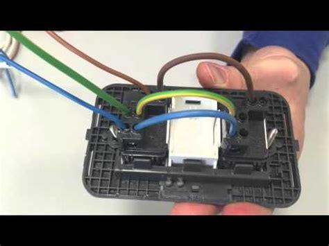 come collegare un interruttore ad una lada collegare una presa ad un interruttore presa comandata