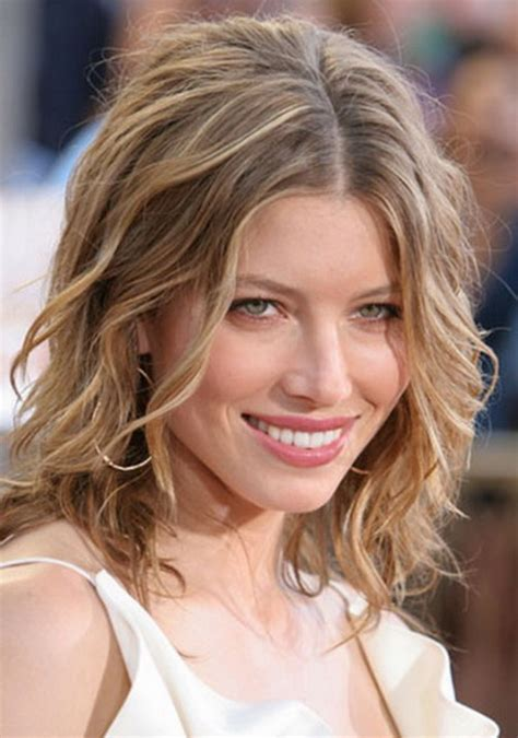 casual hairstyles for medium wavy hair casual medium hairstyles