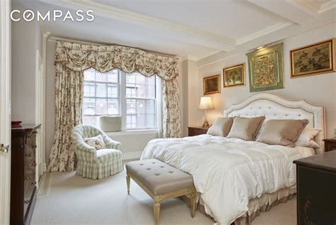 jackie kennedy bedroom apartment in jackie o s storied nyc life listed for 1
