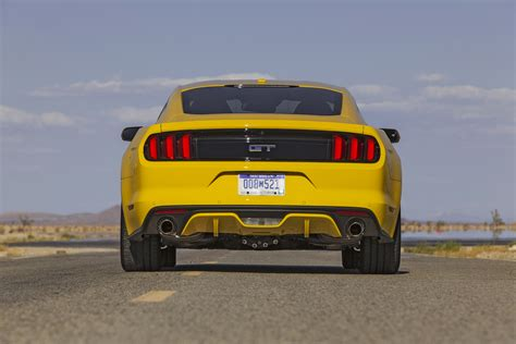 2015 ford mustang base difference between 2016 gt base and premium rear diffuser