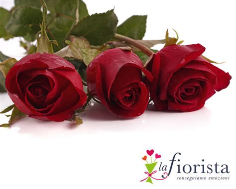 rosse fiori foto vendita tre rosse consegna fiori a domicilio gratis