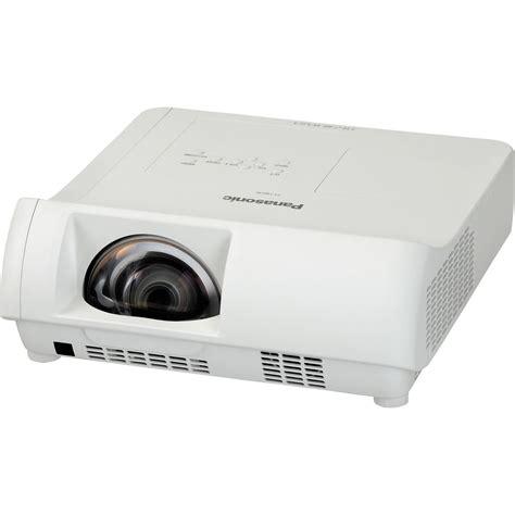 Lcd Proyektor Panasonic panasonic pt tw230u throw lcd projector pt tw230u b h