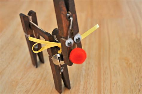 reindeer craft projects clothespin reindeer