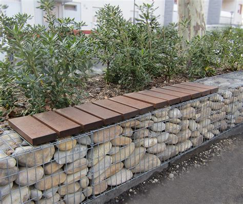 gabion banc banc en bois sur gabions guyon mobilier urbain