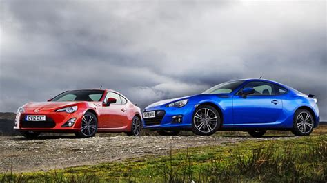 toyota gt86 and subaru brz coupe of the year gt86 vs brz
