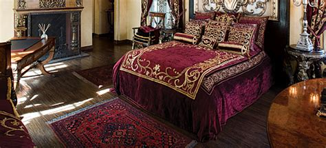 maroon and gold bedroom ideas burgundy and gold bedroom bedroom design hjscondiments com