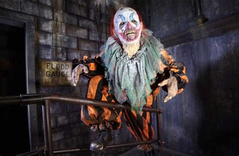 haunted houses chicago haunted houses for chicago 2016 chicago tribune