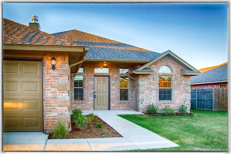 new home in sabram estates yukon ok 4bed 2bath
