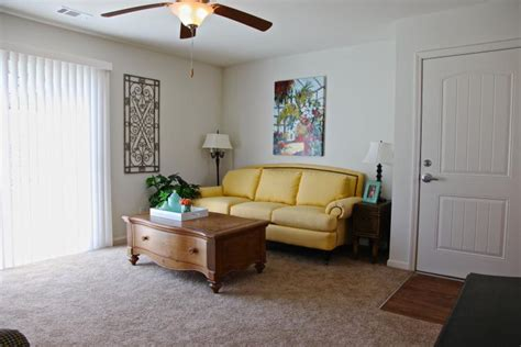 one bedroom apartments in savannah ga the retreat 1 bedroom savannah apartment