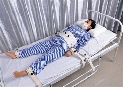 Should Detoxing Patients In Hospitals Be Restrained by Bed Restraints Limbs Immobilizer System For Mental