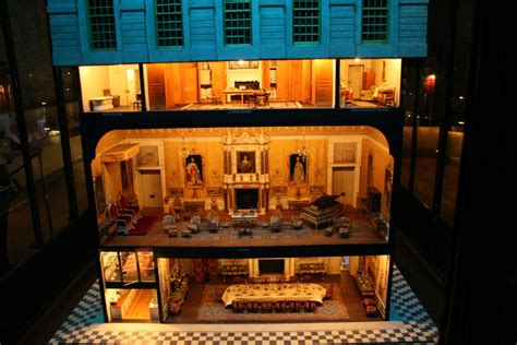 castle doll house file queen mary s doll house at windsor castle jpg wikimedia commons