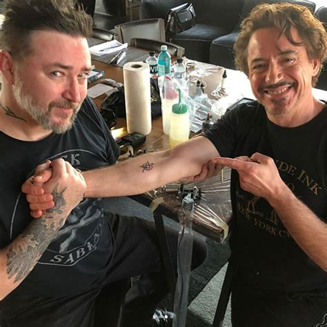 robert downey jr tattoo avengers robert downey jr chris hemsworth and scarlett johansson