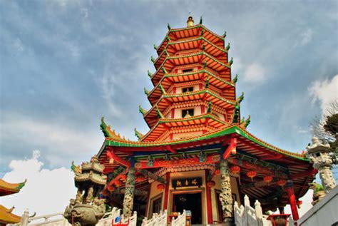 pagoda avalokitesvara vihara buddagaya seputar semarang