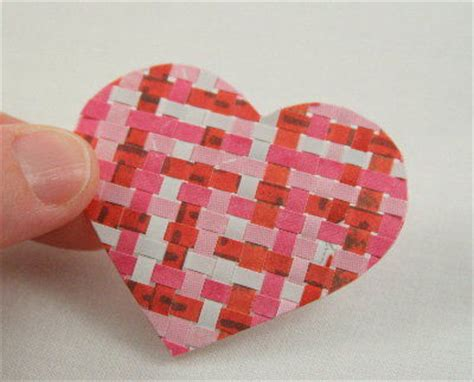 How To Make Woven Paper Hearts - weaving paper hearts