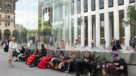 Garden City Ny Apple Store How To Wait In An Iphone 5 Line Cnn