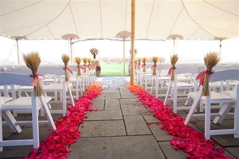 Wedding Aisle With Petals by Should I Ombre My Wedding Aisle Weddingbee