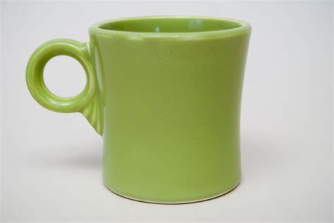 vintage fiesta pottery tom and jerry coffee mug in vintage fiesta tom and jerry mug original chartreuse