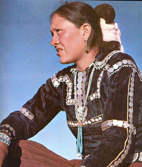 tsiyeel womans hairstyle navajo women in traditional ware we navajo need to retain