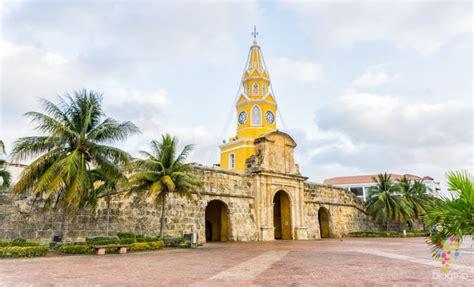imagenes historicas de cartagena por las calles de cartagena de indias en colombia