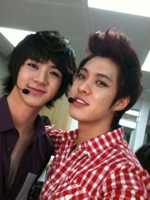 110929 mblaq thunder selca 1 jpg twitter mblaq s seungho uploaded a selca of him and