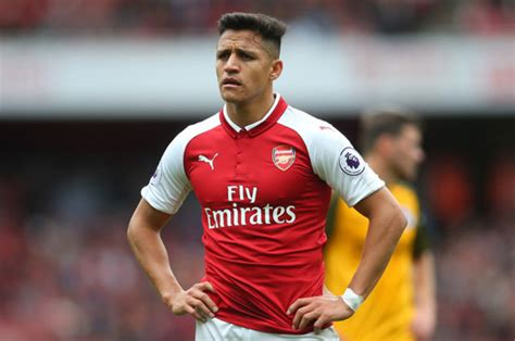 alexis sanchez joins arsenal man utd news alexis sanchez wanted arsenal star expected