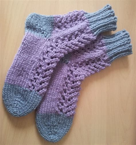 knitted bed socks pattern easy knitted bed socks images