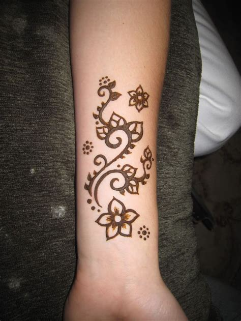 82 best henna tattoos images on pinterest henna best ideas about easy henna on simple henna