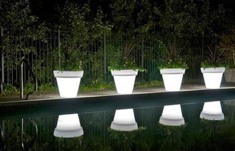 led light pots plant a colorful glow in the garden