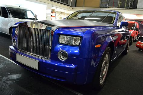 wrapped rolls royce cosmic blue wrapped rolls royce reforma uk