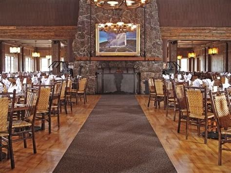 Old Faithful Inn Dining Room by Old Faithful Inn Inside The Park 2017 Room Prices