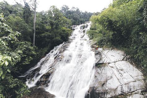 Air Di Malaysia air terjun yang menarik di malaysia pemandangan cantik