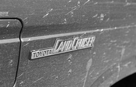 logo toyota land cruiser toyota land cruiser logo badge emblem toyota land
