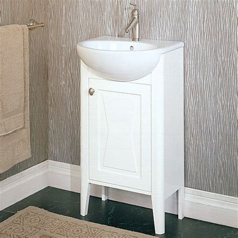 Small Vanity Sinks 25 Best Ideas About Small Bathroom Vanities On Pinterest
