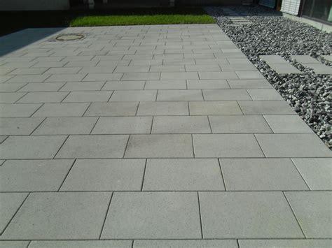 Bodenplatten Garten Verlegen by Garten Platten Verlegen Kosten Preise Testsieger