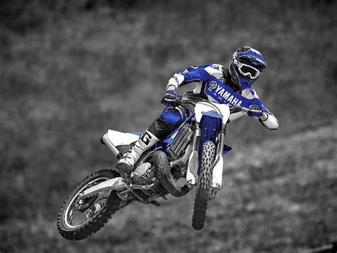 Motorrad Stunt Show Stuttgart by 14 Bmw Motorrad Days Stunts Musik Und Tests Spothits
