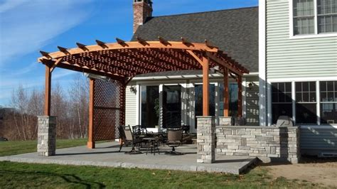 blue stone patio and shade pergola