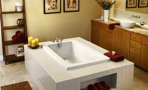 best bathtubs for small bathrooms soaking tubs for small bathrooms home design tips and guides