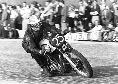 Motorradhandel N Rnberg by Helmut Krackowizer Seine Jahre Als Aktiver Rennfahrer