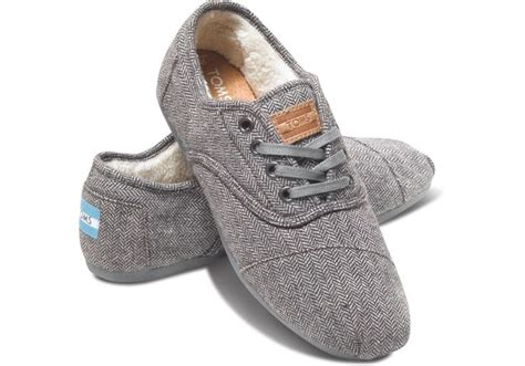 grey herringbone s cordones toms stylin