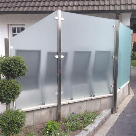 sichtschutz reihenhaus terrasse die besten 25 sichtschutz aus glas ideen auf