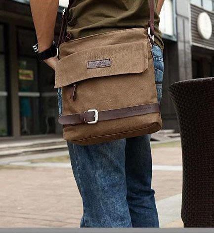 Tas Selempang Pria Tote Bag Tas Komiktas Jalan Tas Kus kumpulan model tas pria untuk santai trend terbaru