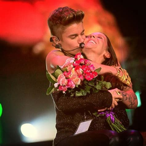 justin bieber biography in afrikaans justin bieber embraces mother on stage in south africa