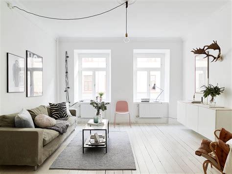 scandinavische plafondl scandinavisch appartement met knusse hoekjes roomed