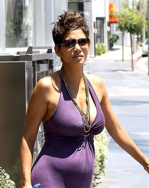 Best Maternity Style Halle Berry by Halle Berry And Pokie Maternity Style